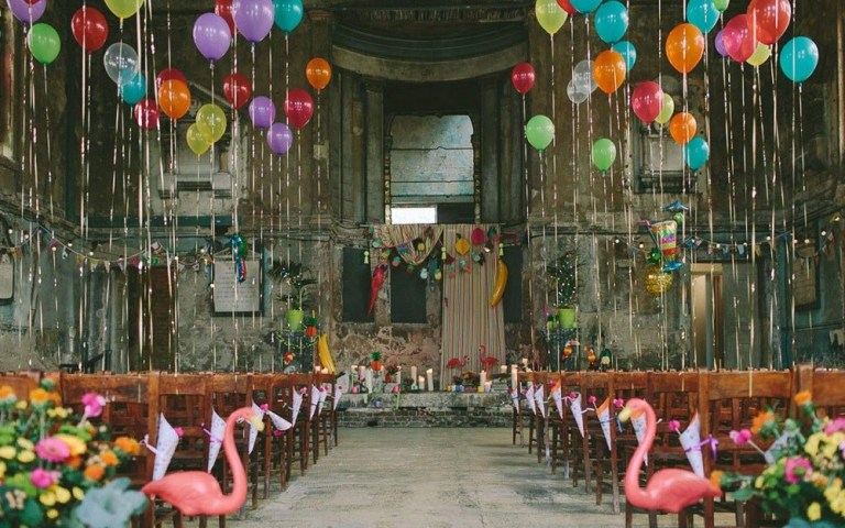 Find Your Ticket to a Super Hit Hollywood Inspired Wedding