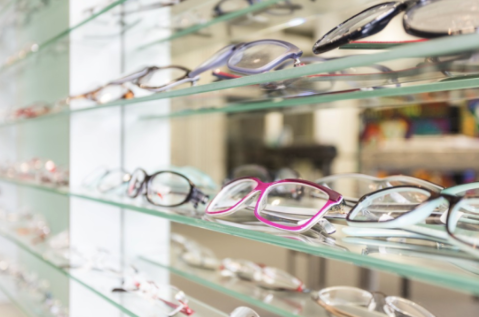 3 Tell-tale Signs That You May Need Glasses