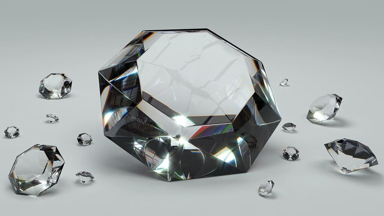 Real vs Fake Diamonds