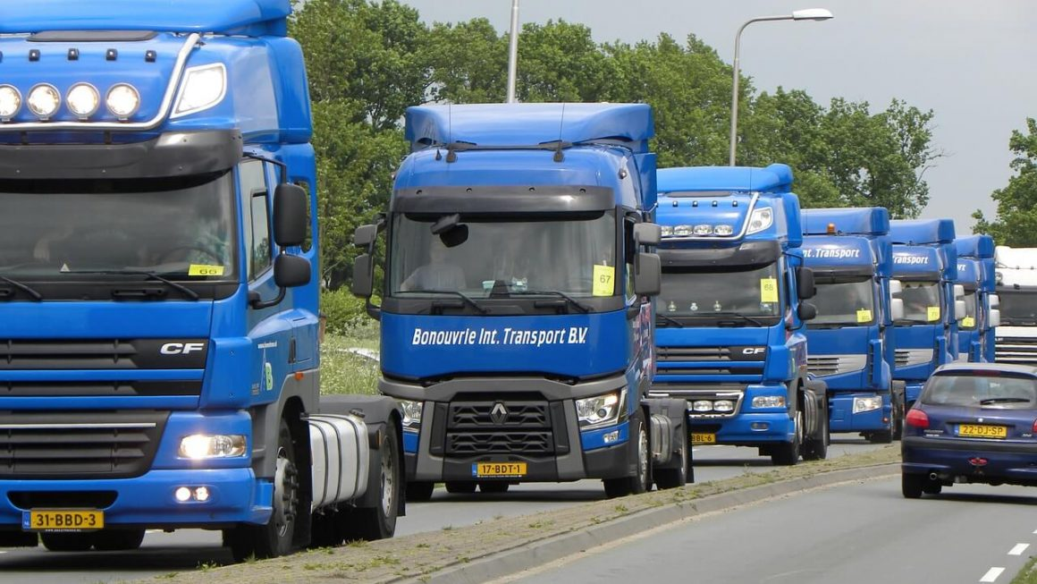 Features Keeping Truckers Safe