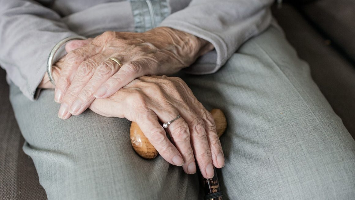 Issues That May Face Your Loved Ones in Their Old Age